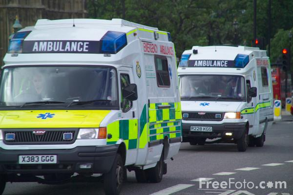 Picture of London Ambulance Service Ambulance - Free Pictures - FreeFoto.com