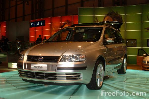 Picture of Fiat Stilo, Birmingham International Motor Show 2002 - Free Pictures - FreeFoto.com