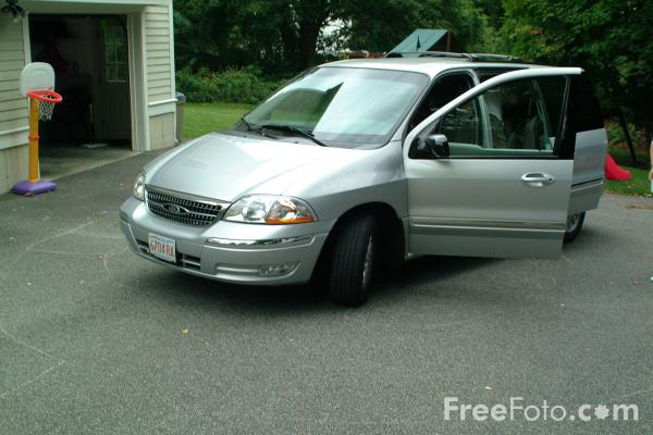 Picture of Ford Windstar Minivan - Free Pictures - FreeFoto.com
