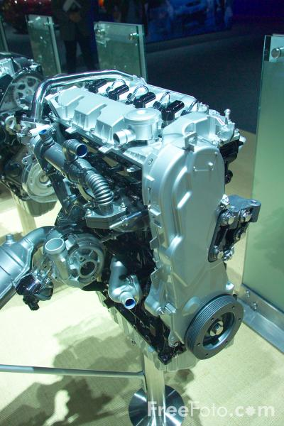 Picture of Ford Car Engine - Free Pictures - FreeFoto.com