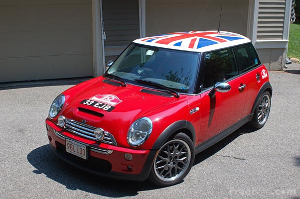 Picture of Red Mini Cooper - Free Pictures - FreeFoto.com