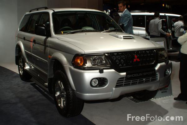 Picture of Mitsubishi Shogun Sports, Birmingham International Motor Show 2002 - Free Pictures - FreeFoto.com