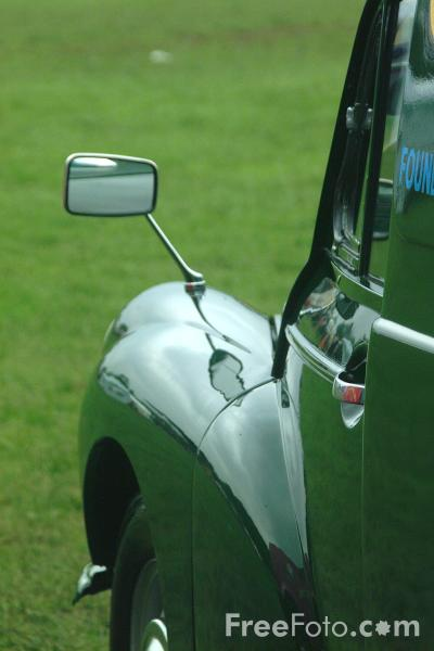 Picture of Morris Minor - Free Pictures - FreeFoto.com