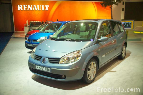 Picture of Renault Car - Free Pictures - FreeFoto.com