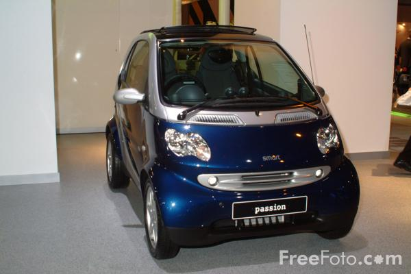 Picture of Smart Car, Birmingham International Motor Show 2002 - Free Pictures - FreeFoto.com