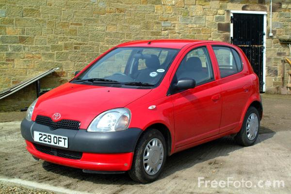 Picture of Toyota Yaris - Free Pictures - FreeFoto.com