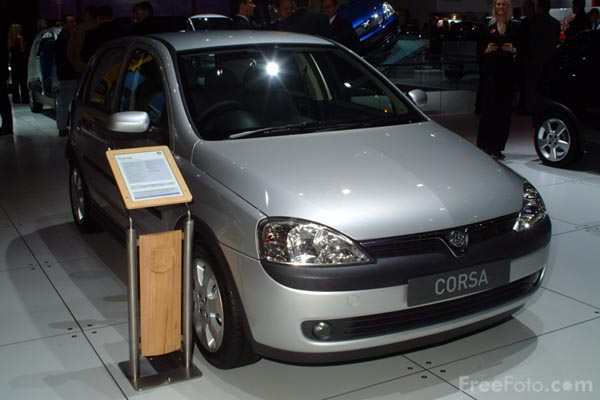 Picture of Vauxhall Corsa, Birmingham International Motor Show 2002 - Free Pictures - FreeFoto.com