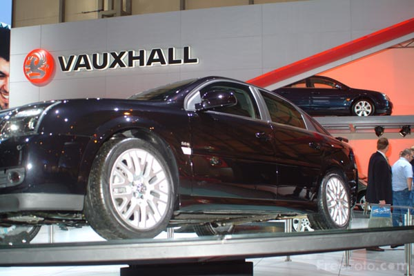 Picture of Vauxhall Vectra, Birmingham International Motor Show 2002 - Free Pictures - FreeFoto.com