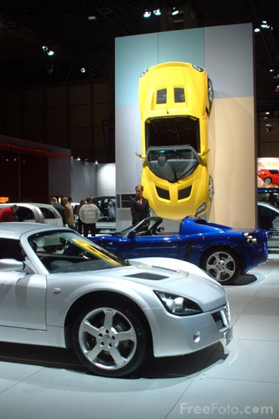 Picture of Vauxhall, Birmingham International Motor Show 2002 - Free Pictures - FreeFoto.com
