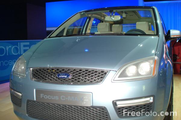 Picture of Ford Focus C Max, Birmingham International Motor Show 2002 - Free Pictures - FreeFoto.com
