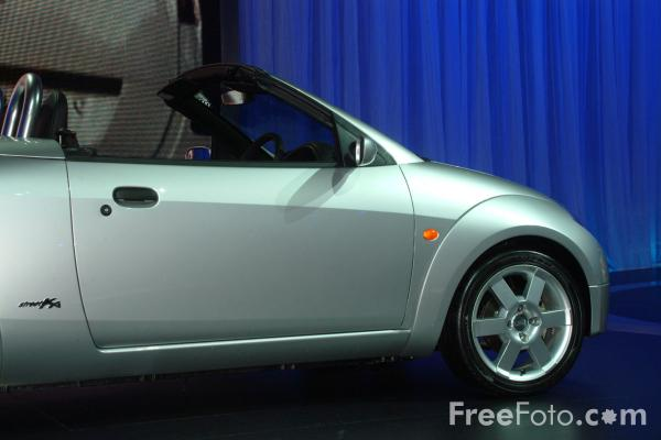 Picture of Ford Streetka, Birmingham International Motor Show 2002 - Free Pictures - FreeFoto.com