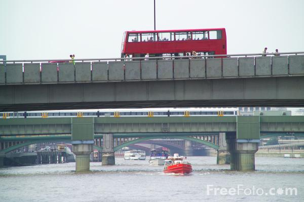 Picture of London Bridge, London, England - Free Pictures - FreeFoto.com