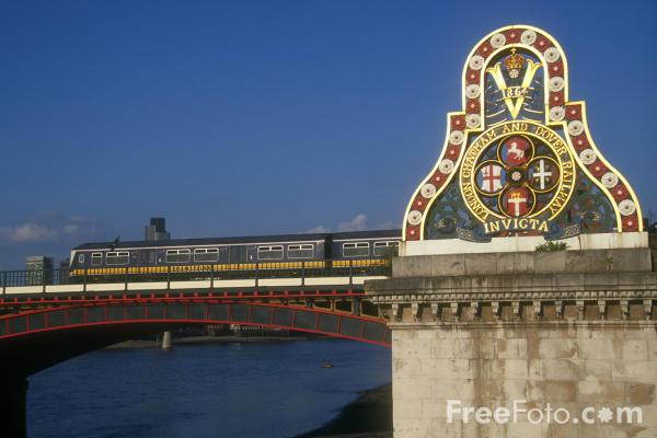 Picture of Blackfriars Railway Bridge, London, England - Free Pictures - FreeFoto.com