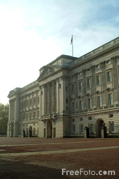 Picture of Buckingham Palace, London, United Kingdom - Free Pictures - FreeFoto.com
