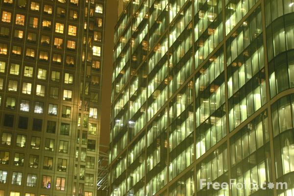 Picture of Canary Wharf at night, London, United Kingdom - Free Pictures - FreeFoto.com