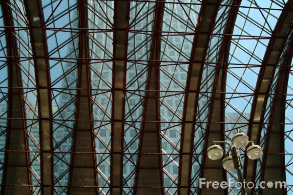Picture of Canary Wharf Station Roof - Free Pictures - FreeFoto.com