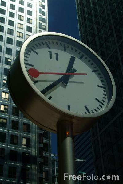 Picture of Clock, Canary Wharf, London - Free Pictures - FreeFoto.com