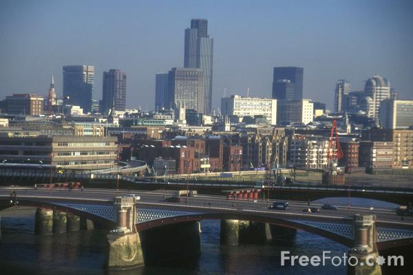Picture of The City of London - Free Pictures - FreeFoto.com