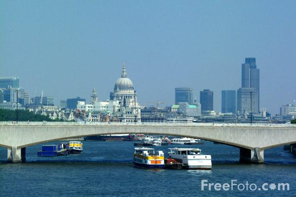 Picture of Waterloo Bridge, The River Thames, London, England - Free Pictures - FreeFoto.com