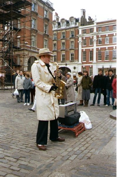 Picture of Busker, Covent Garden, London - Free Pictures - FreeFoto.com