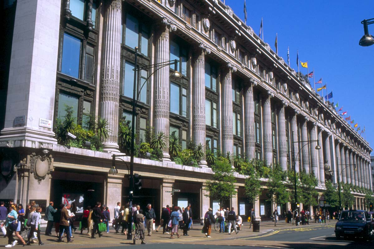 Picture of Selfridges, Oxford Street, London - Free Pictures - FreeFoto.com