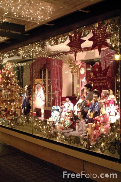 Picture of Christmas Window, Regent Street, London - Free Pictures - FreeFoto.com