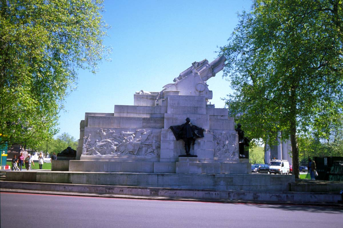 Picture of Hyde Park Corner, London - Free Pictures - FreeFoto.com