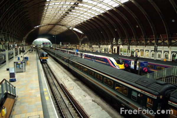 Picture of Paddington Station, London - Free Pictures - FreeFoto.com