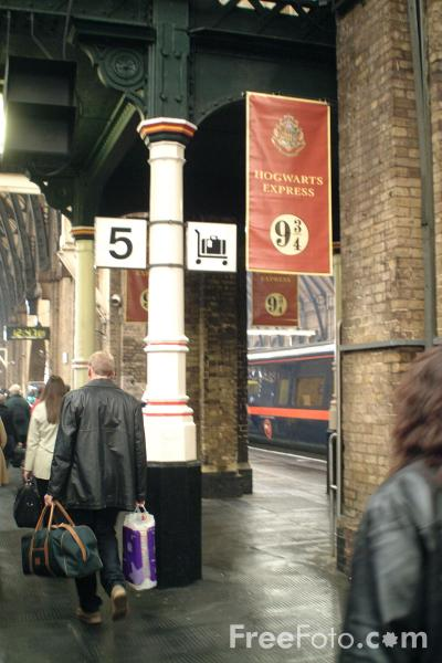 http://www.freefoto.com/images/31/12/31_12_60---Platform-9-3-4-Kings-Cross-Station--London_web.jpg