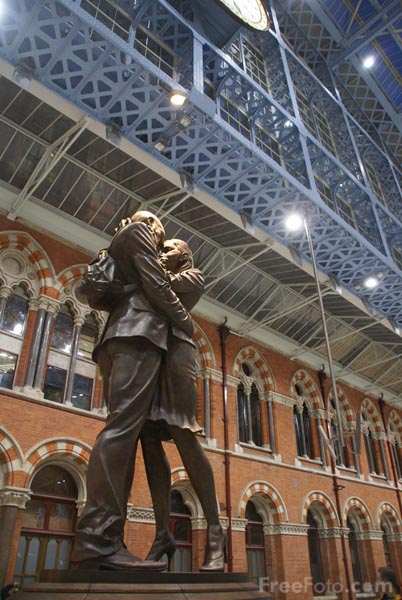 Picture of Meeting Place, St Pancras International railway station - Free Pictures - FreeFoto.com