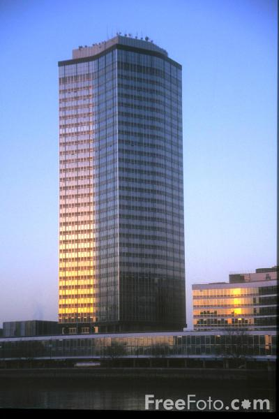 Picture of Millbank Building, London - Free Pictures - FreeFoto.com