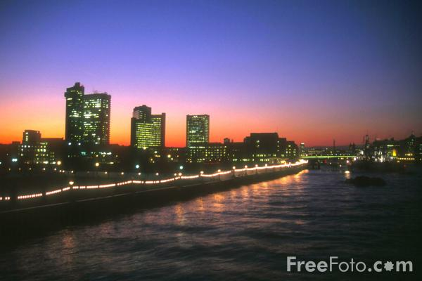 Picture of London Skyline at night, London, England - Free Pictures - FreeFoto.com