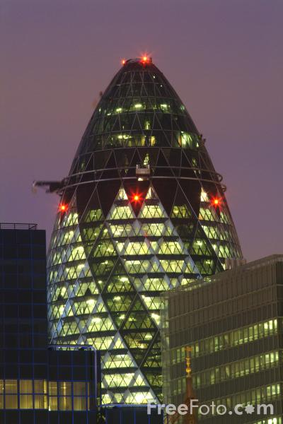 Picture of Swiss Re Building at Night, London - Free Pictures - FreeFoto.com