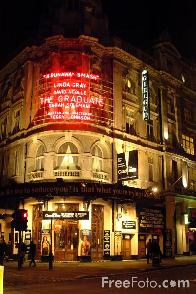 Picture of Gielgud Theatre. Shaftesbury Avenue, London - Free Pictures - FreeFoto.com