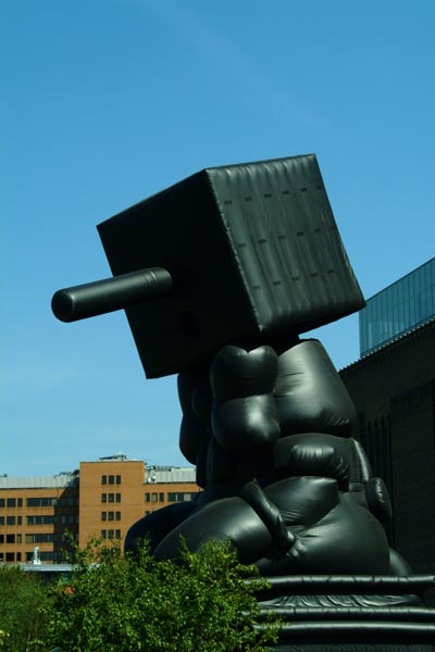 Picture of Blockhead 2003 by Paul McCarthy, Tate Modern, London, England - Free Pictures - FreeFoto.com