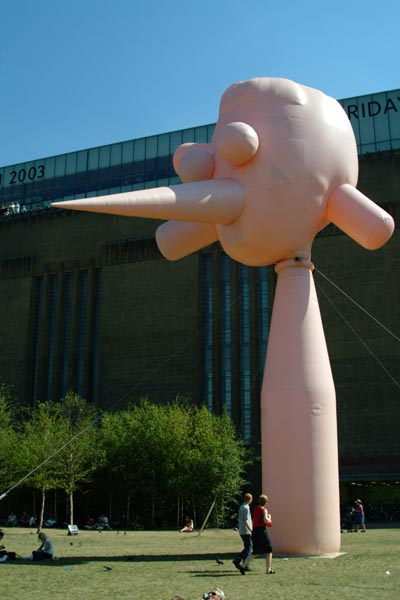 Picture of Daddies Bighead 2003 by Paul McCarthy, Tate Modern, London, England - Free Pictures - FreeFoto.com