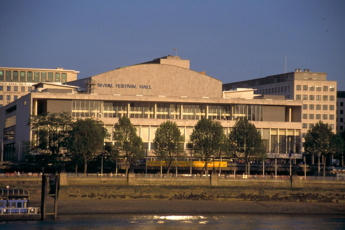 Picture of Royal Festival Hall, South Bank, London - Free Pictures - FreeFoto.com