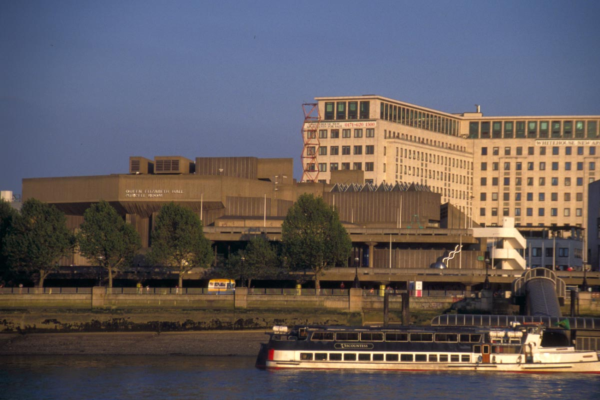 Picture of Queen Elizabeth Hall, South Bank, London - Free Pictures - FreeFoto.com