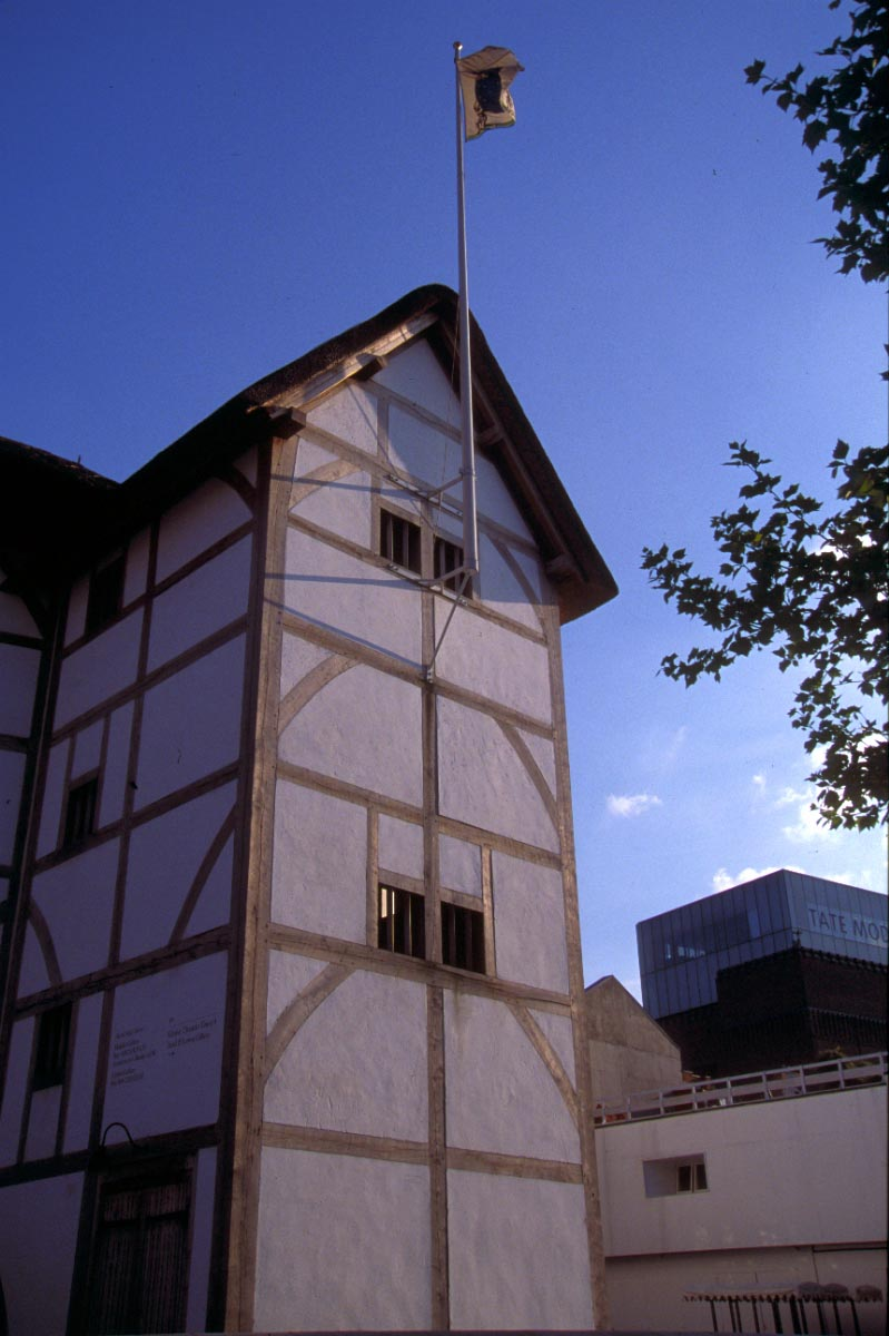 Picture of The Globe Theatre, South Bank, London - Free Pictures - FreeFoto.com