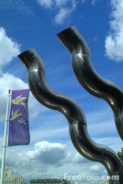 Picture of Sculpture, South Bank, London, England - Free Pictures - FreeFoto.com