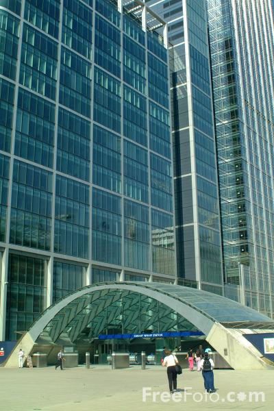 Picture of Canary Wharf Station - Free Pictures - FreeFoto.com