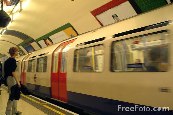 Picture of Tube Train, London Underground - Free Pictures - FreeFoto.com