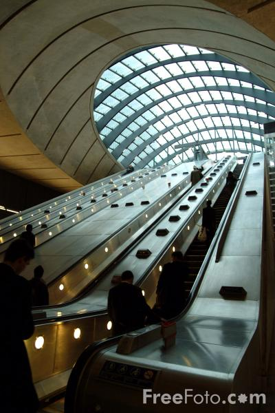 Picture of Canary Wharf Station, London Underground - Free Pictures - FreeFoto.com