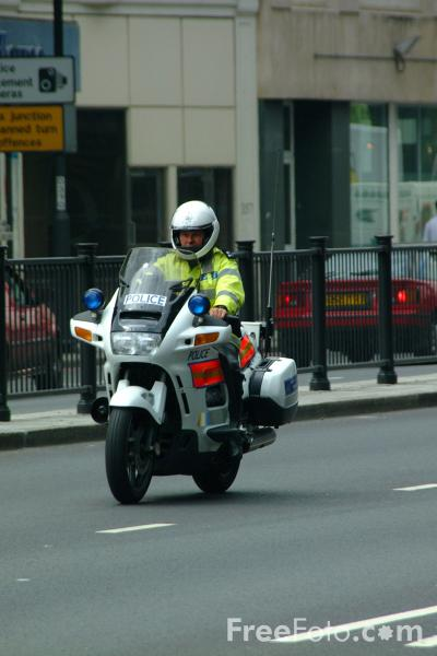 Picture of Metropolitan Police Motorbike - Free Pictures - FreeFoto.com