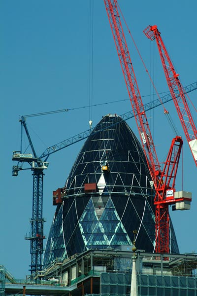 Picture of Swiss Re headquarters, 30 St Mary Axe, City of London - Free Pictures - FreeFoto.com