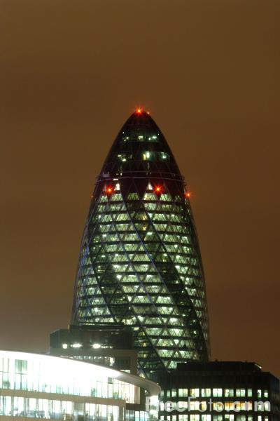 Picture of The Erotic Gherkin or Swiss Re building at night, London - Free Pictures - FreeFoto.com