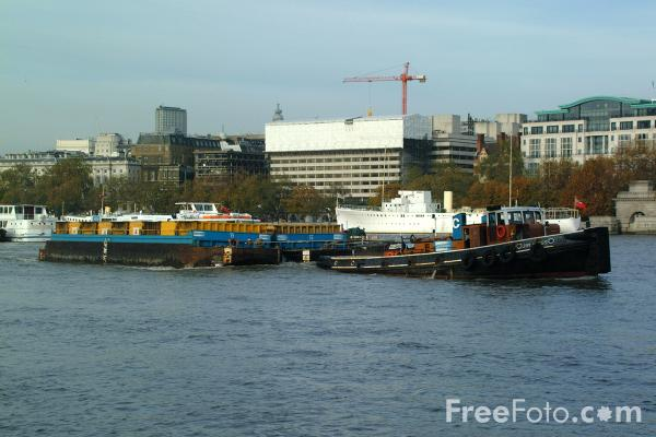 Picture of Cleanaway river borne waste transportation, River Thames, London - Free Pictures - FreeFoto.com