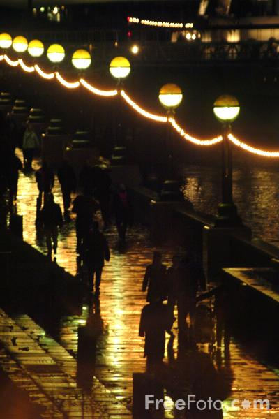 Picture of Riverside Lights, River Thames, London - Free Pictures - FreeFoto.com
