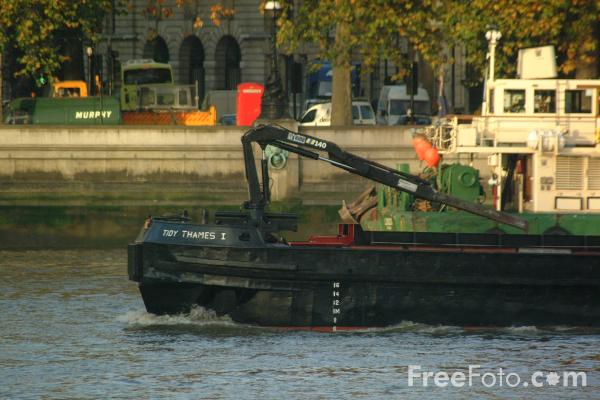 Picture of Barge, River Thames, London - Free Pictures - FreeFoto.com