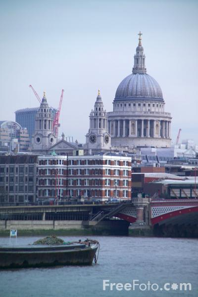 Picture of London Skyline, River Thames, London - Free Pictures - FreeFoto.com